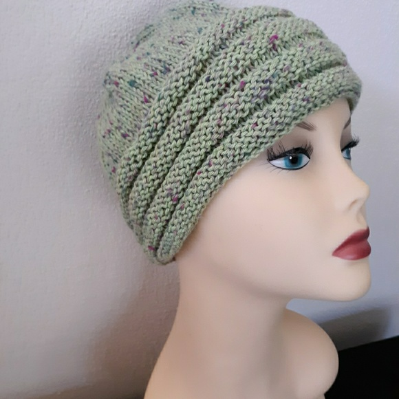 satya Accessories - Hand knit womans winter hat